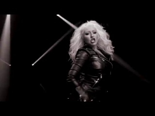 Pitbull feat. Christina Aguilera -Feel This Moment